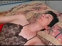 Older mom invited two hot lads to fuck her older pussy ashard as they can