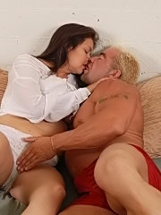 Older mature amateur cathy getting creampie fucked by three men