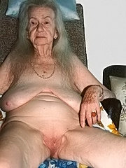 Granny busty holding cock fucking old mature pussy