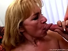 Slutty mature babe gets railed and licks nasty cum