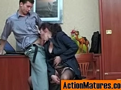 Lusty mature chick getting her fiery pussy satisfied to the best advantage