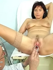 Hot mature livie visits her favourite kinky gyno doctor