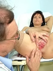 Hot mom livie with speculum deep in her mature pussy