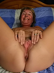 A big mature mom gets her enormous ass drilled by a horny young stud