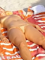 Older blonde amateur takes it in the ass for the first time!