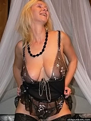 Old mature slut large breasts shaved pussy licked