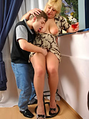 Spicy mom shiny pantyhose getting her pussy stretched to the tearing point