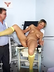 Milf vanda receives kinky gyno treatment at special gyno clinic