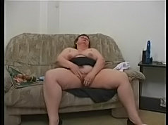 Gilf toy playing her cunt while sucking cock