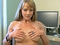 Mature babe gives sultry blowjob and got cumfacial