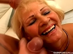 Sinful mature lady enjoys a 69 and deep doggystyle fucking with her horny young lover