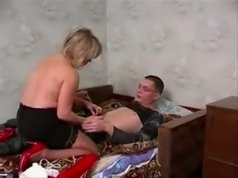 Youngster shows a hot mature ass how young cock can fix her right