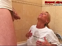 Pissing, licking and playing with mature lesbos
