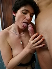This naughty mature slut loves to get some cock