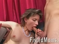 Mature old chick and extreme anal fisting sex action