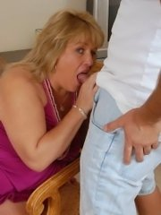 Chubby mature lesbian double dildo fucking with pregnant amateur