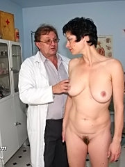 Mature barbora vaginal gyno speculum exam at gyno clinic