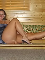 This mature slut loves toys and piss