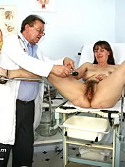 Mature karin is speculum examined by gyno doctor