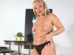 Aged and sexy milf renata plays with her snatch with her fingers