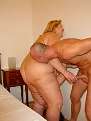 Watch this good classical clip, with a good doggy style fuck scene, followed by a beautiful hot cum shot on this black slut's ass.