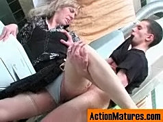 Nasty mom fulfilling her wet desires in fucking bout with younger guy in wc